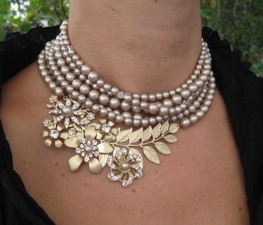 Lulu Splendor: Vintage Chic Accessories