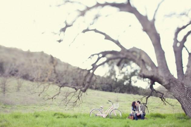 Wedding Blog Engaged: Under a Tree
