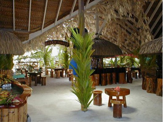 Wedding Blog Unique Destinations: Tahiti