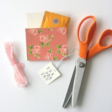 DIY Friday: Tea Envelopes