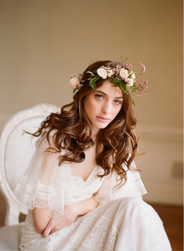 spring_flowers_in_hair_for_bride_8