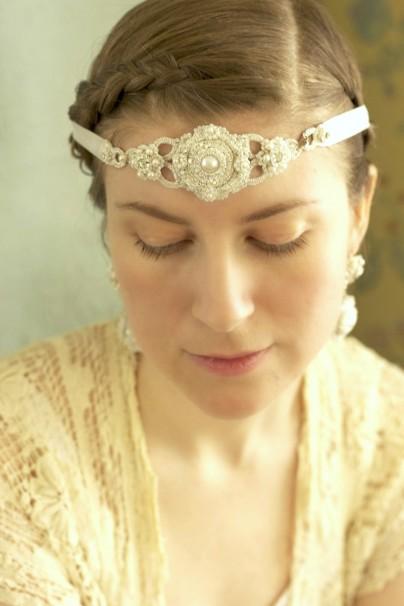 Serafina-bridal-headband-pearl-bandeau