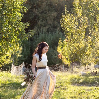 Apple Orchards and a Pleated Wedding Gown