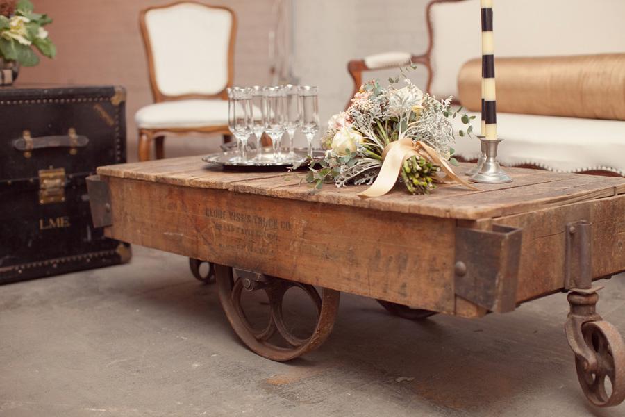 modern_industrial_inspired_spring_wedding_14