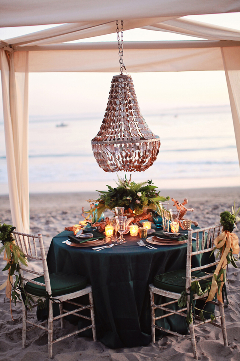pantone_emerald_gold_beach_wedding_shoot_12