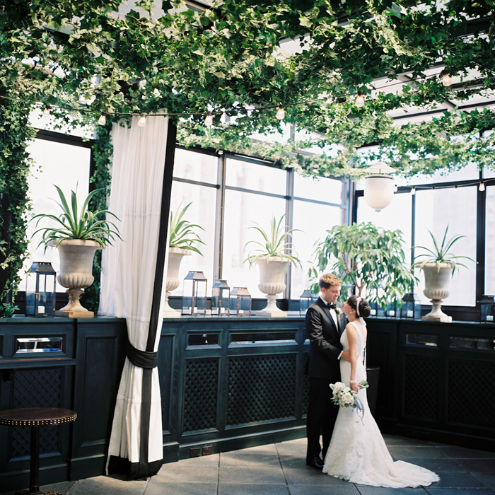 New york elopement at gramercy park hotel for Unusual wedding venues nyc