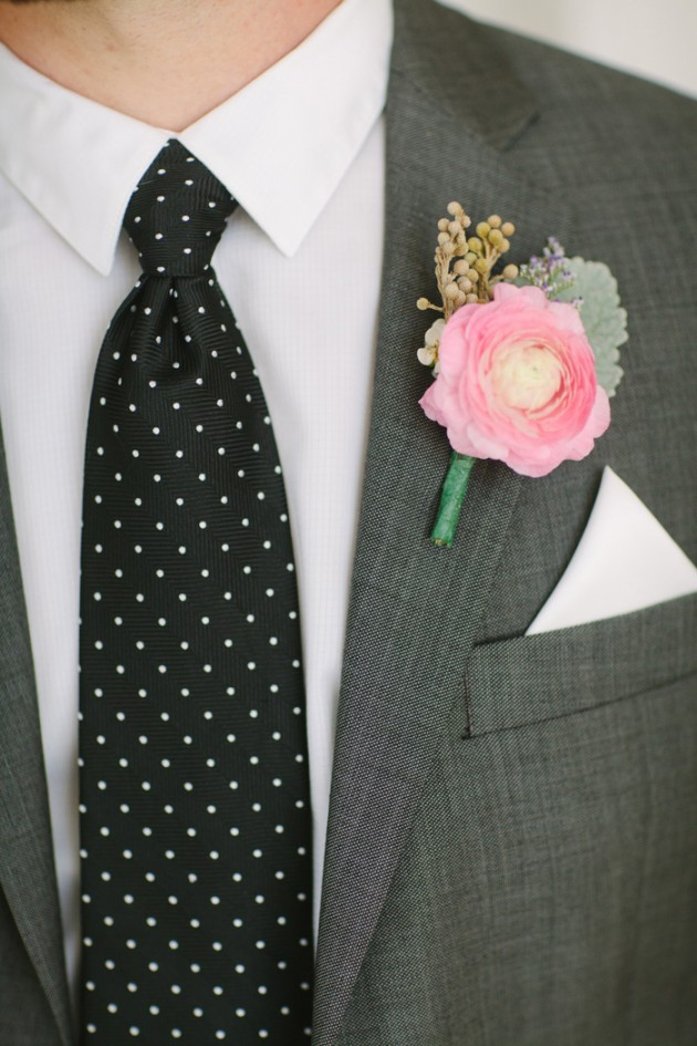 brunch_elopement_shoot_gold_sequins_waffle_wedding_cake_1