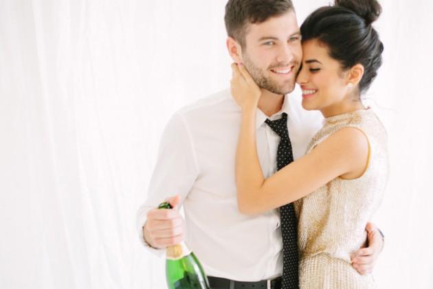 brunch_elopement_shoot_gold_sequins_waffle_wedding_cake_14