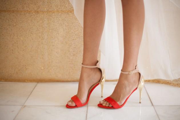 brunch_elopement_shoot_gold_sequins_waffle_wedding_cake_5