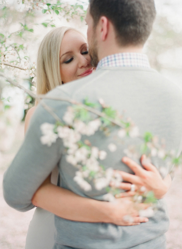 Laura-Murray-DC-Cherry-Blossom-Engagement-Photography_5