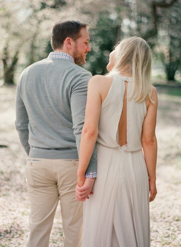 Laura-Murray-DC-Cherry-Blossom-Engagement-Photography_9