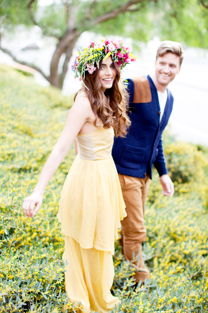 spring flowers headband engagement 4 Spring Engagement Session featured On Grey Likes Weddings!