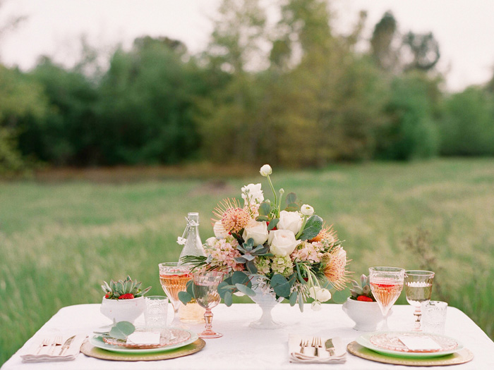 summer_strawberries_succulents_mint_peach_pink_wedding_4