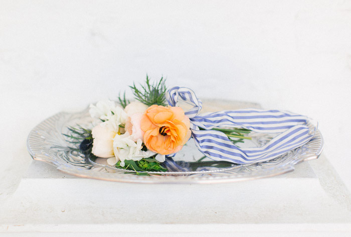 blue_orange_estate_wedding_fashion_stripes_inspiration_10