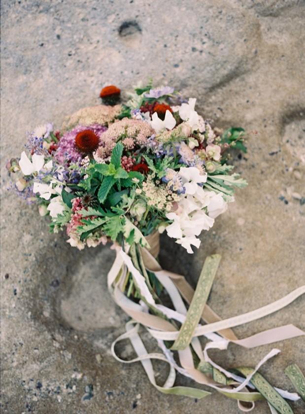 beach_vow_renewal_purple_bouquet_11