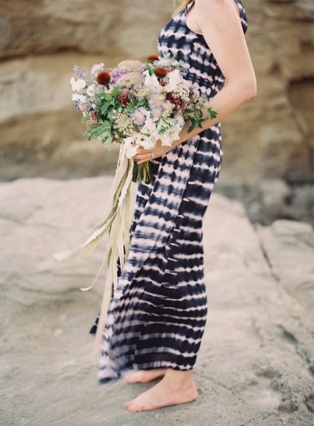 beach_vow_renewal_purple_bouquet_9