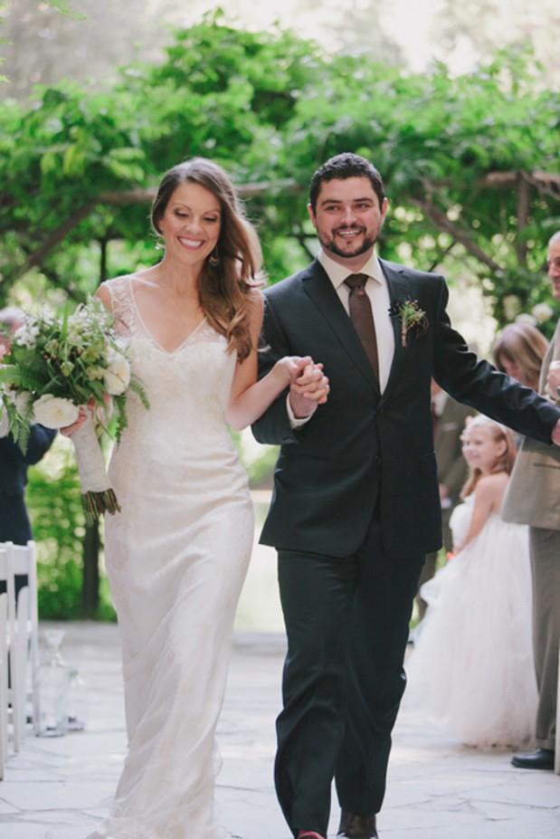 nestledown_emerald_green_rustic_woodsy_wedding_10