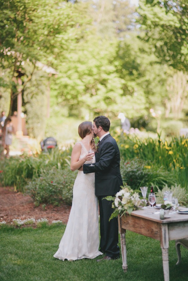 nestledown_emerald_green_rustic_woodsy_wedding_14