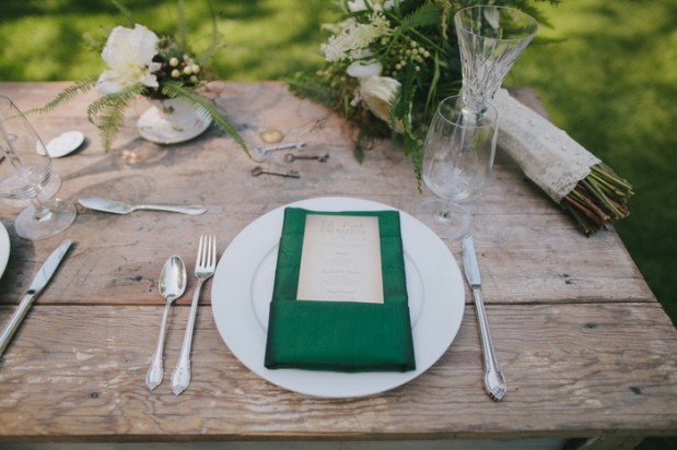 nestledown_emerald_green_rustic_woodsy_wedding_15