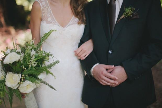 nestledown_emerald_green_rustic_woodsy_wedding_17