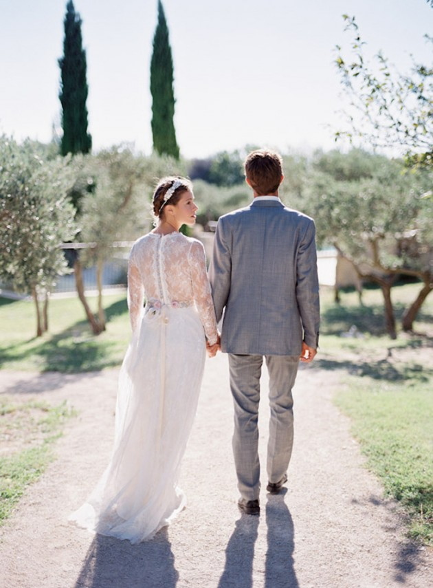 Feather-and-Stone-le-hameau-des-baux-french-villa-wedding_13