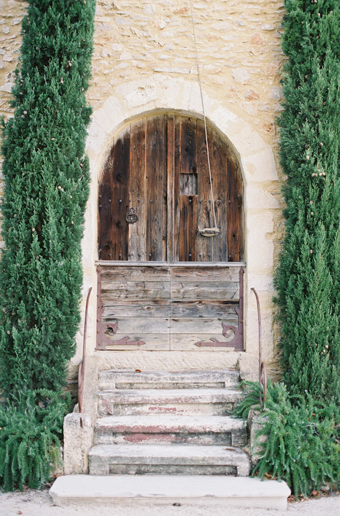Feather-and-Stone-le-hameau-des-baux-french-villa-wedding_5