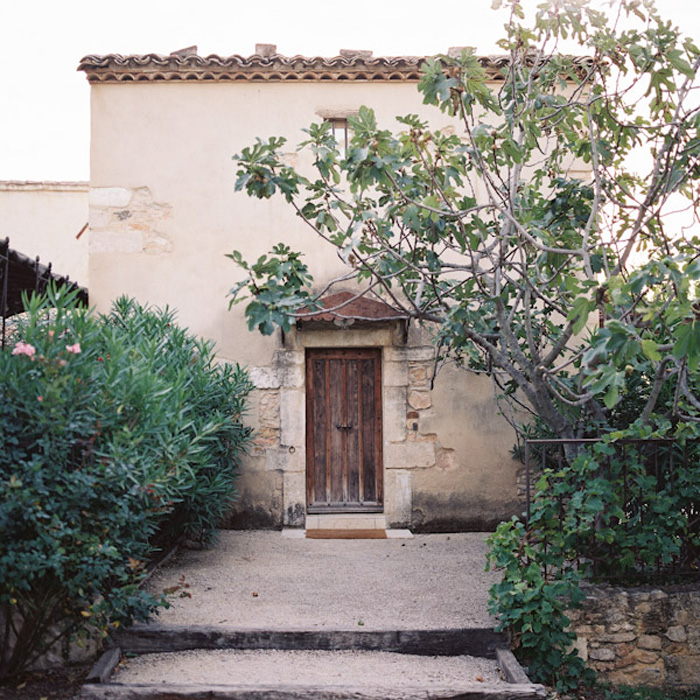 Feather-and-Stone-le-hameau-des-baux-french-villa-wedding_8
