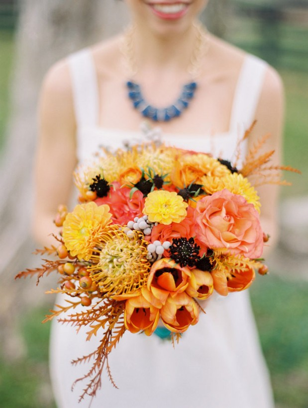 fall_barn_orange_wedding_ideas_1