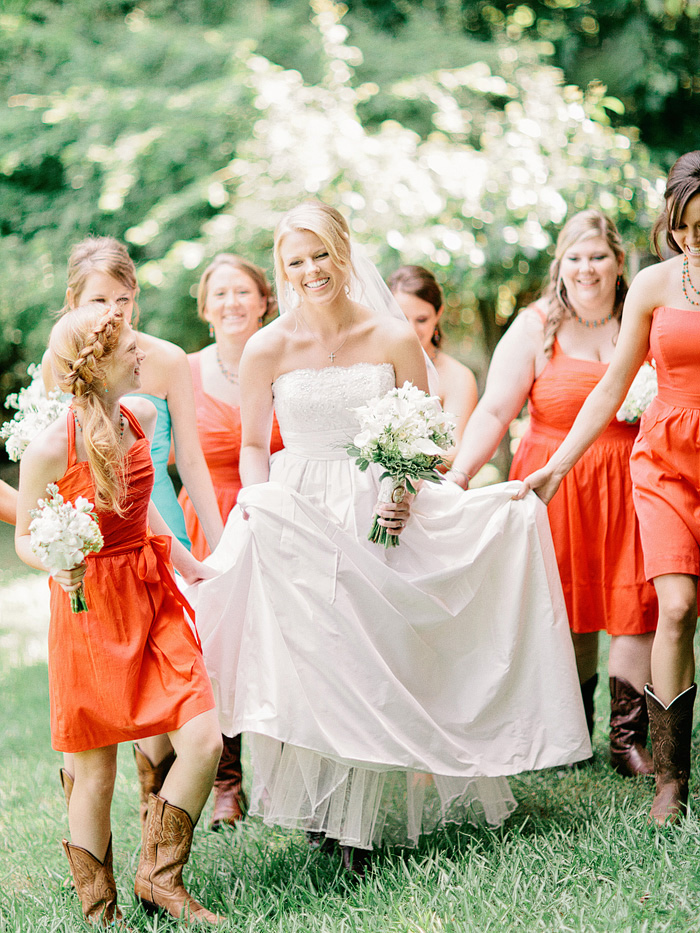 rustic_wedding_farm_coral_bridesmaids_1