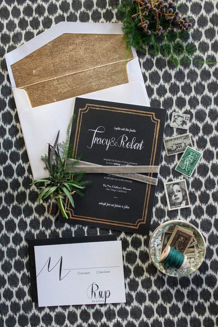 modern_black_gold_wedding_ideas_1