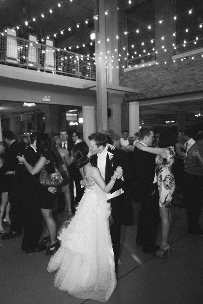 vera_wang_architectural_artifacts_chicago_wedding_clary_photo_film_photography_18