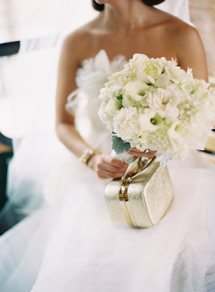 vera_wang_architectural_artifacts_chicago_wedding_clary_photo_film_photography_4