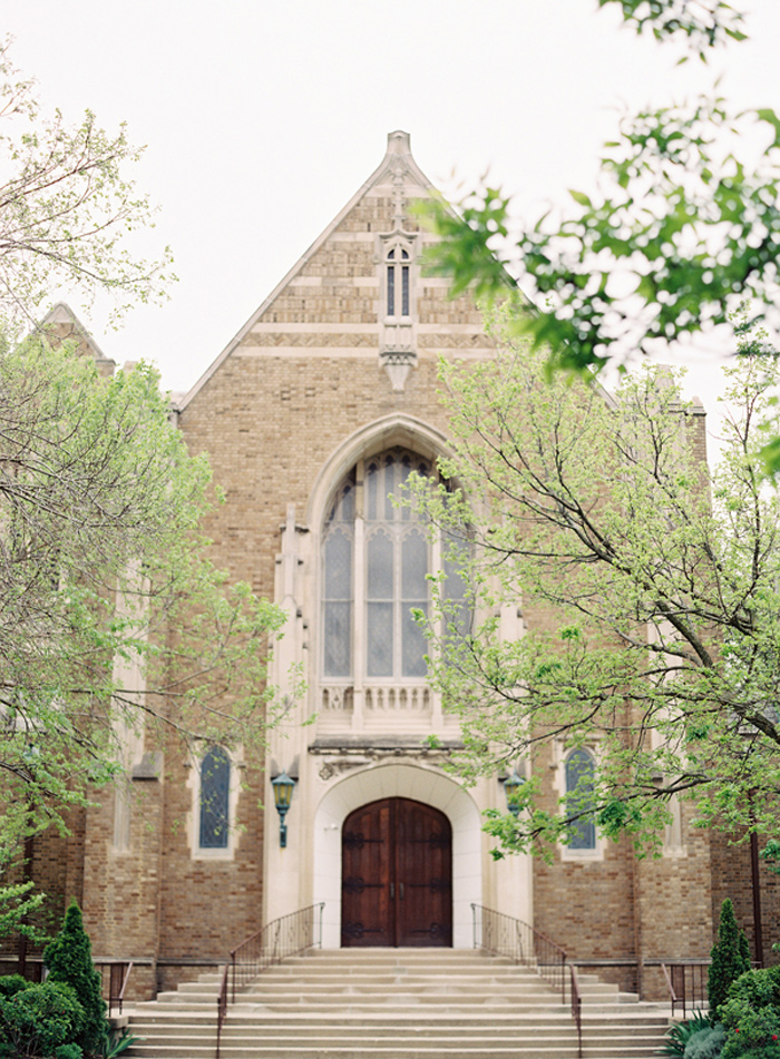 vera_wang_architectural_artifacts_chicago_wedding_clary_photo_film_photography_9