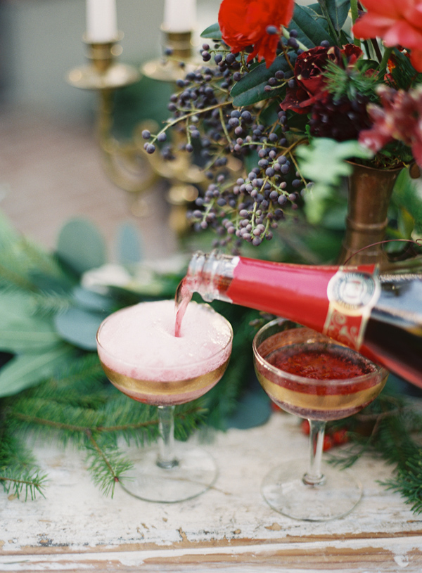 christmas_party-ideas-cranberry-flowers-2