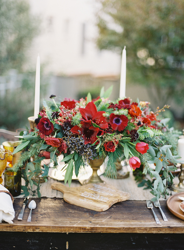 christmas_party-ideas-cranberry-flowers-7