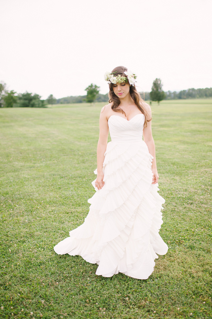 king_family_vineyards_charlottesville_spring_wedding_fashion_ivory_gray_mint_4
