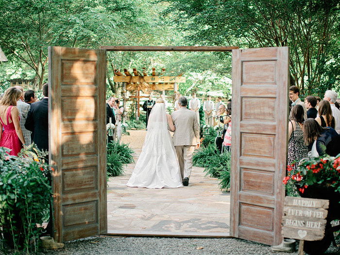 Wedding Blog Neverland Farms Rustic Chic Wedding