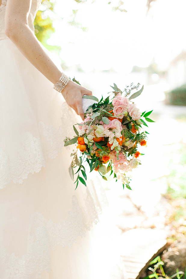 citrus_orange_yellow_ranunculus_poppies_wedding_ideas_8