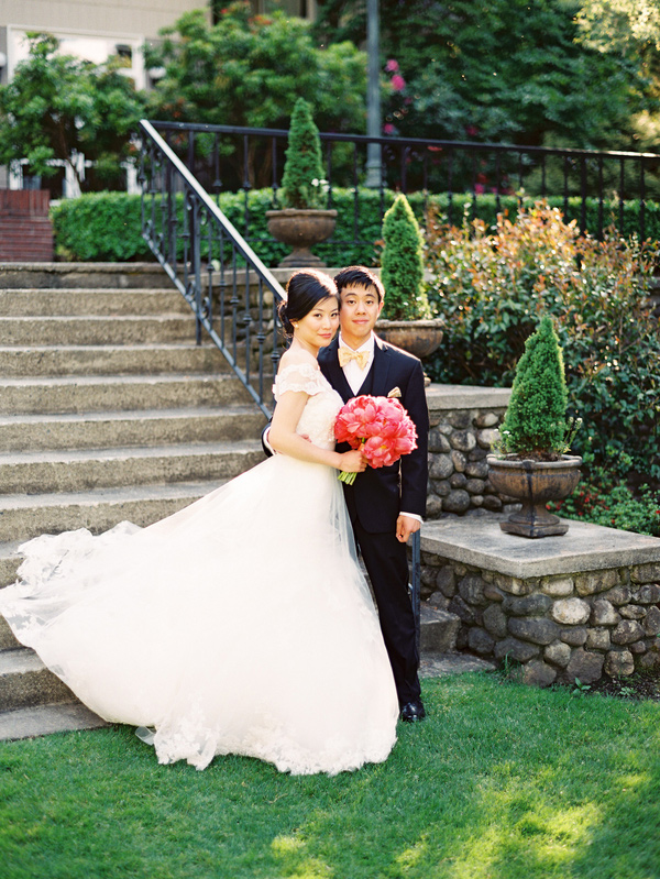 willows_lodge_woodinville_washington_pink_peonies_wedding_10