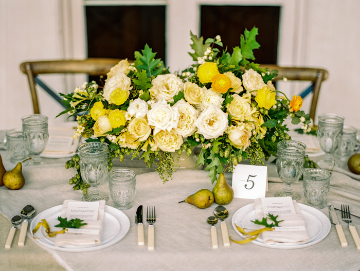dundurn-castle-ontario-canada-yellow-weddings-9