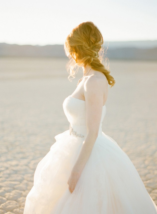 vegas-four-seasons-wedding-vera-wang-dress-kt-merry-13