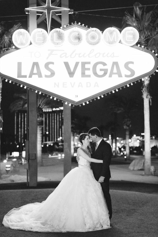vegas-four-seasons-wedding-vera-wang-dress-kt-merry-18