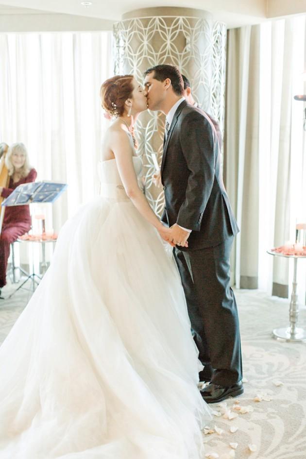 vegas-four-seasons-wedding-vera-wang-dress-kt-merry-8