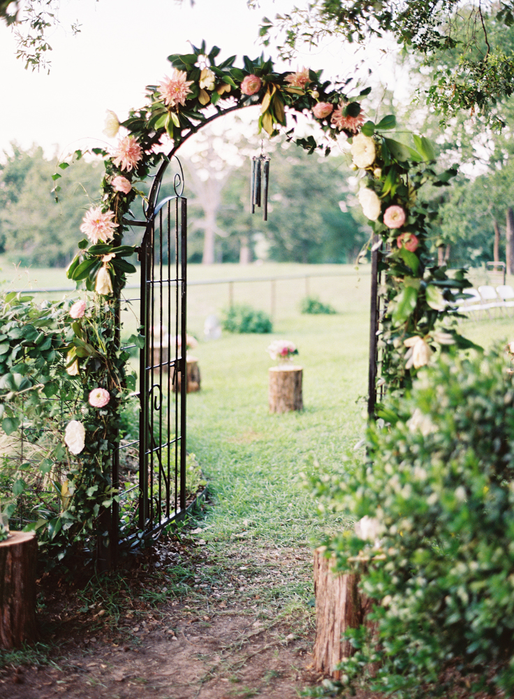 backyard-texas-diy-wedding-Brett-Heidebrecht_6