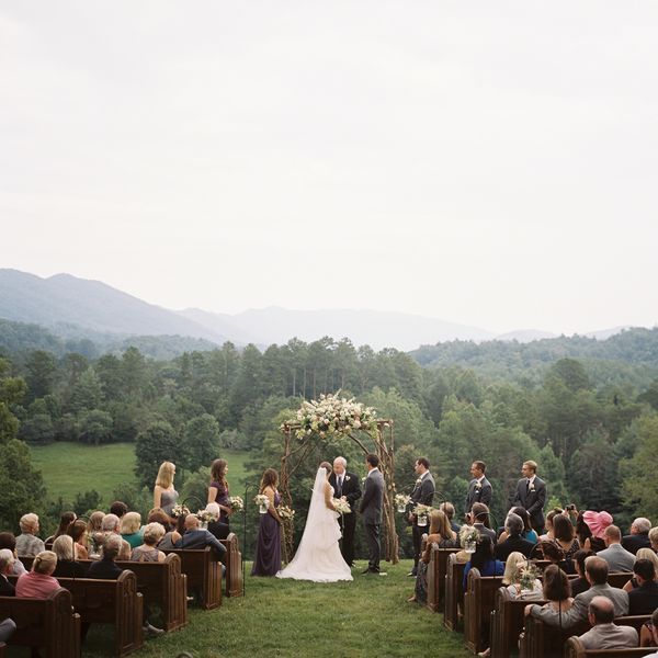 Tennessee Organic Farm Wedding: Lindsey And Sheldon's Blackberry Farm Wedding