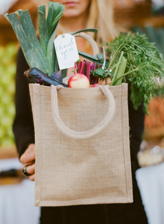 roche-harbor-farmers-market-wedding_11