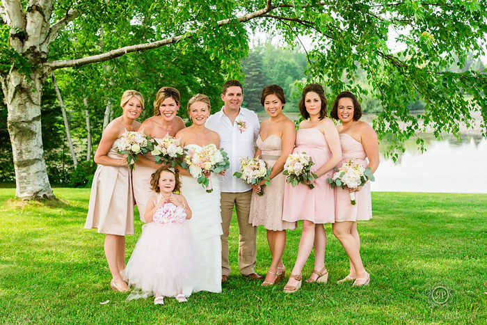 blush-pink-backyard-wedding-canada-11