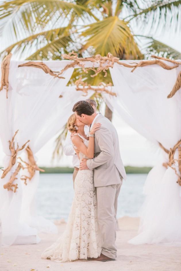 florida-keys-resort-island-beach-tropical-wedding-16