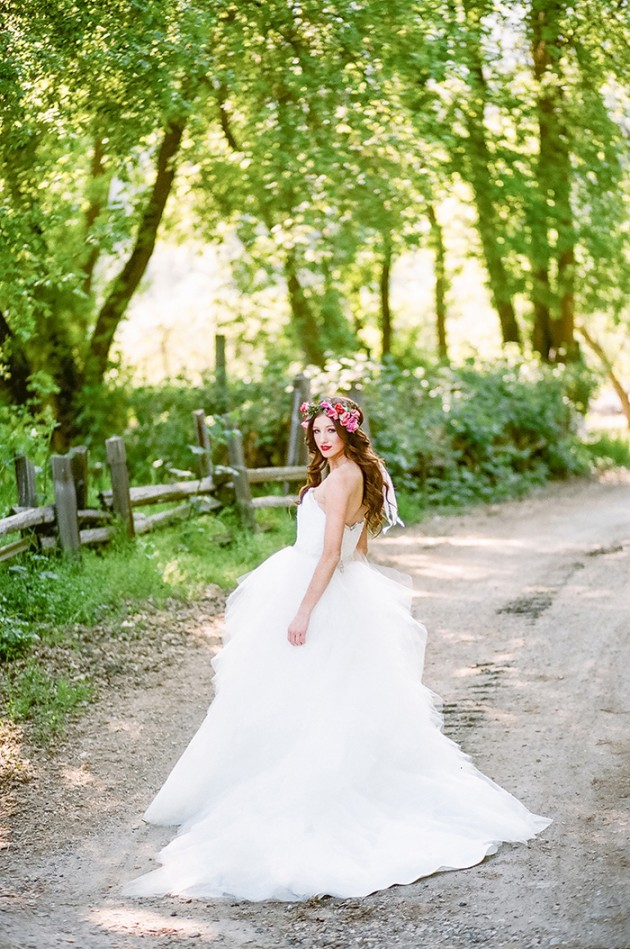 spring-bridal-shoot-twigs-and-honey-8