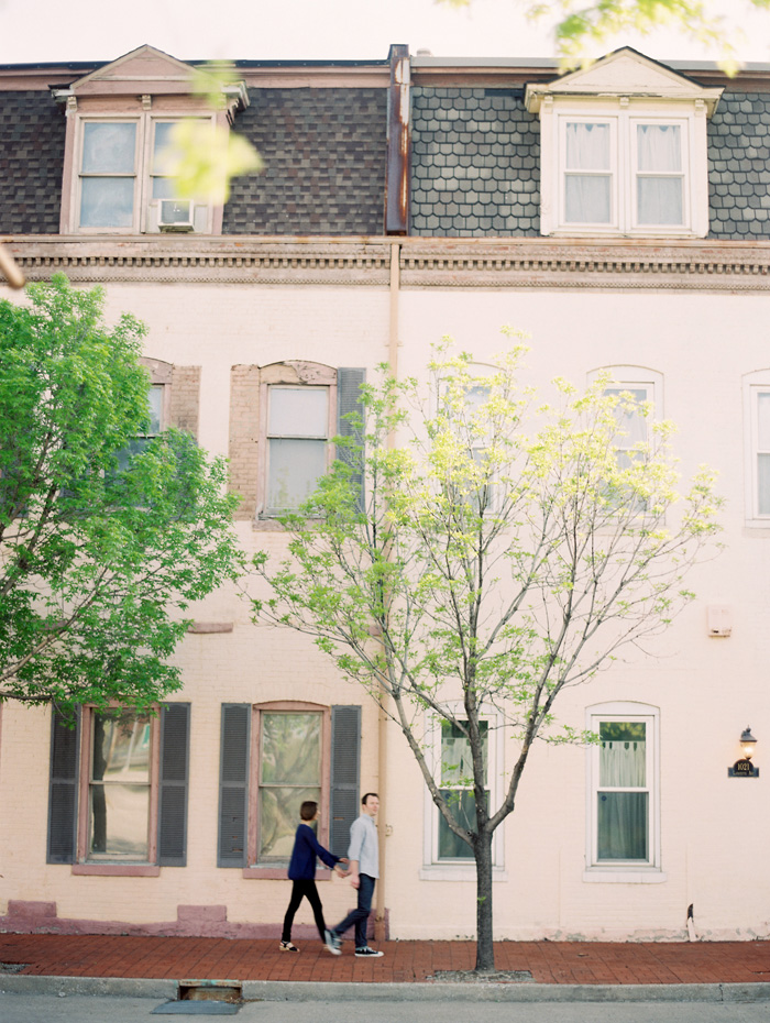 historic-st-louis-spring-engagement-film-clary-photo-8